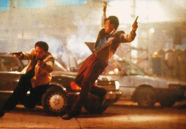wetenschappelijke fouten in hollywood: regisseur John Woo lapt de wetten van de klassieke mechanica aan de laars