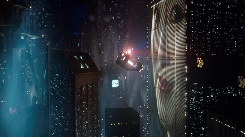 Enorme bewegende reclames waren in Blade Runner nog behoorlijk futuristisch